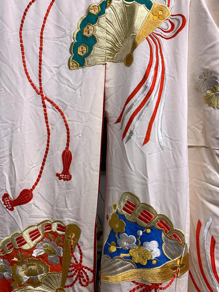Exceptional Embroidered Vintage Japanese Ceremonial Kimono For Sale 3