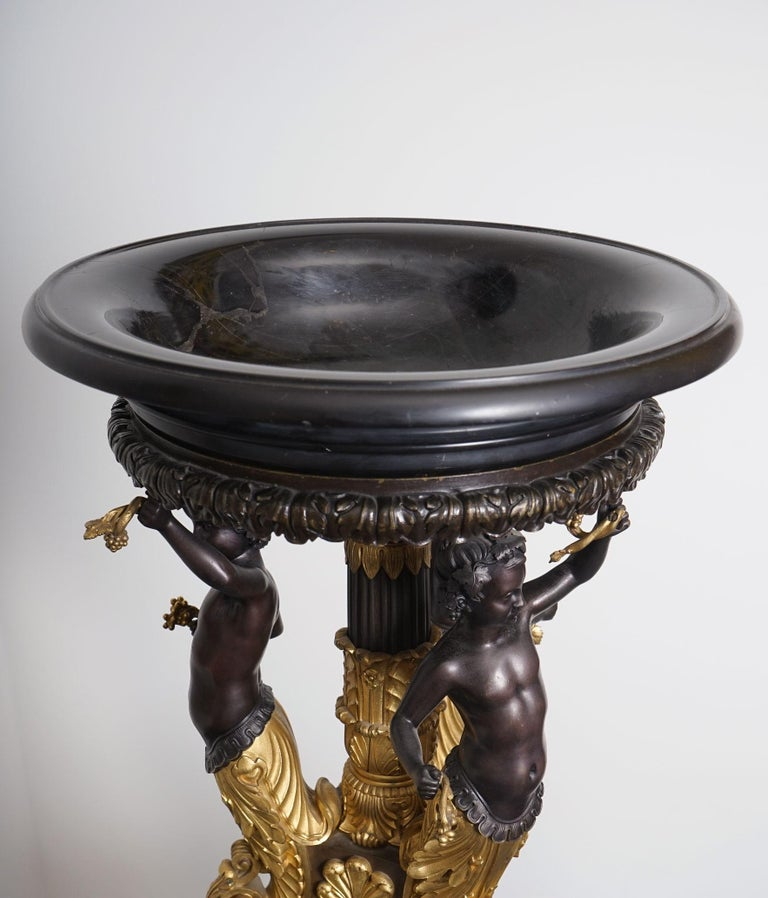 Exceptional Empire Style Center Piece, Homage to Bacchus In Good Condition For Sale In Paris, Ile de France