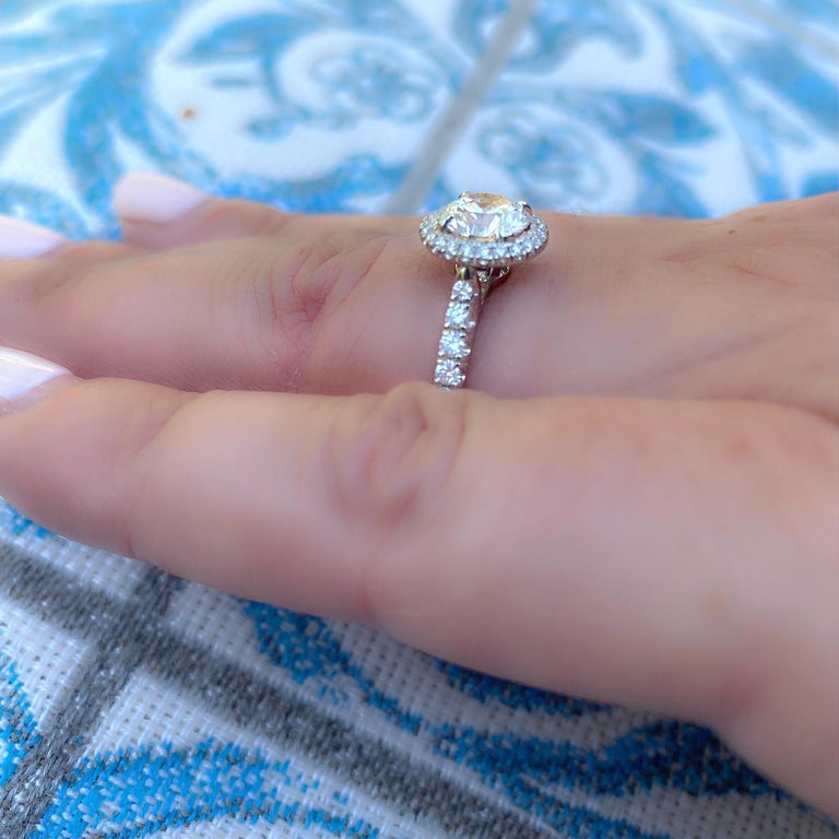 Women's or Men's Exceptional Estate Diamond Platinum Engagement Ring by Cartier For Sale