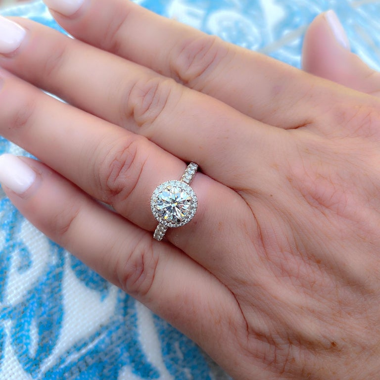 Exceptional Estate Diamond Platinum Engagement Ring by Cartier For Sale 2