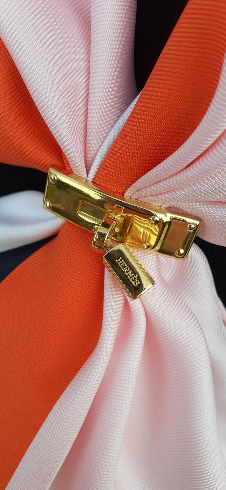 Exceptional Hermès Kelly Clasp Shaped Scarf Ring with Padlock Ghw For Sale 15