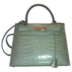 Exceptional Hermès Kelly Sellier Bag Shiny Vert Celadon Natura Alligator Ghw 28