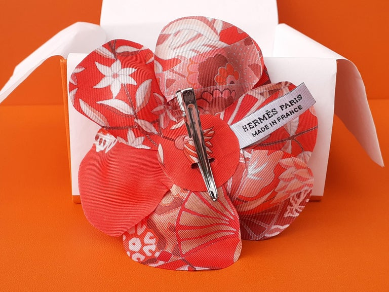 Exceptional Hermès Rare Silk Scarf Brooch Charm La Fleur Red 8