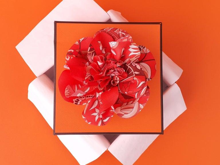 Exceptional Hermès Rare Silk Scarf Brooch Charm La Fleur Red 10