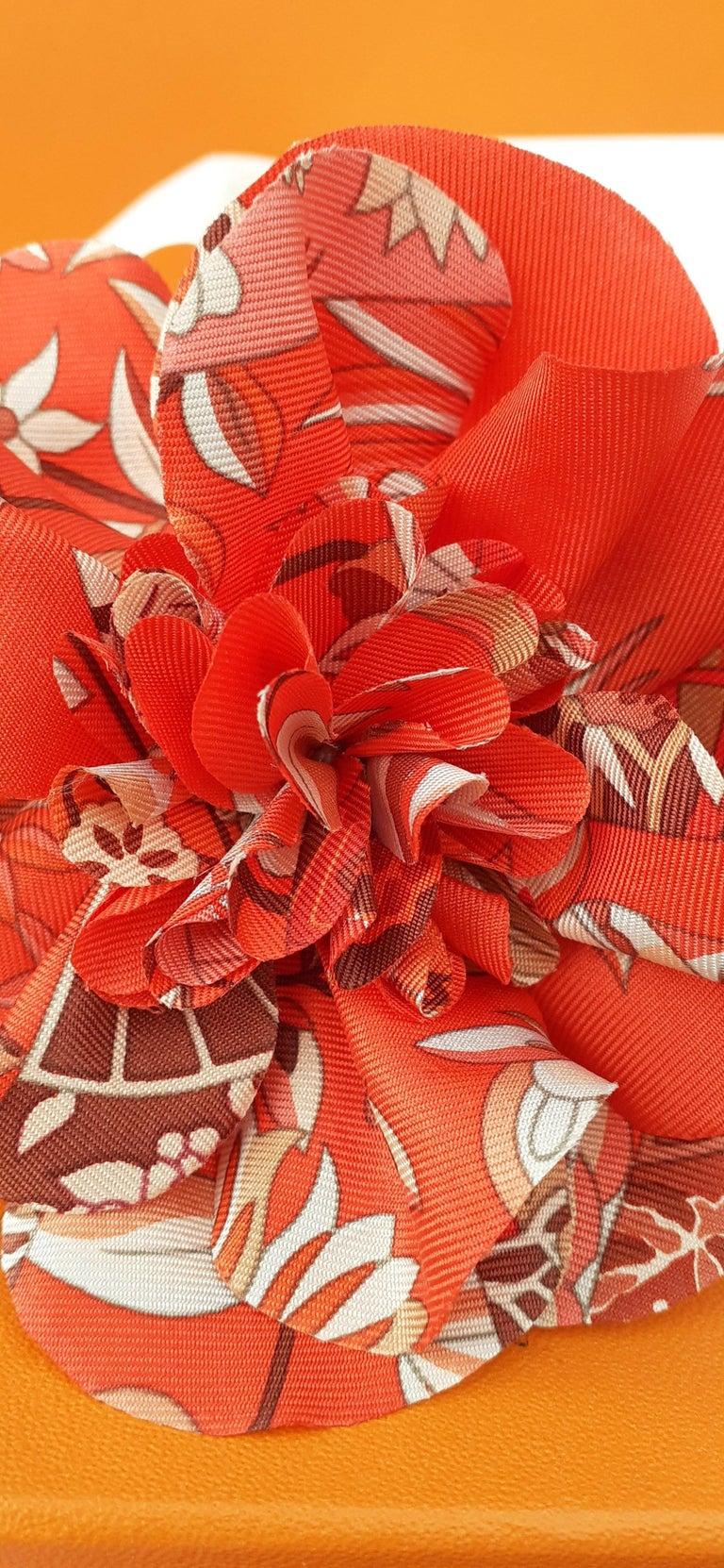 Exceptional Hermès Rare Silk Scarf Brooch Charm La Fleur Red 3