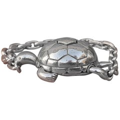 Exceptional Hermès Secret Mechansim Turtle Key Ring or Charm in Silver