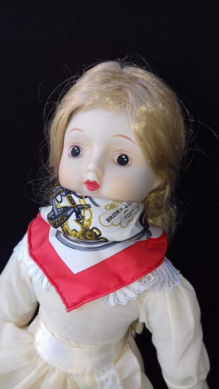 Exceptional Hermès Smallest Scarf Ever Brides de Gala Bleuette Doll 20 cm  For Sale 9