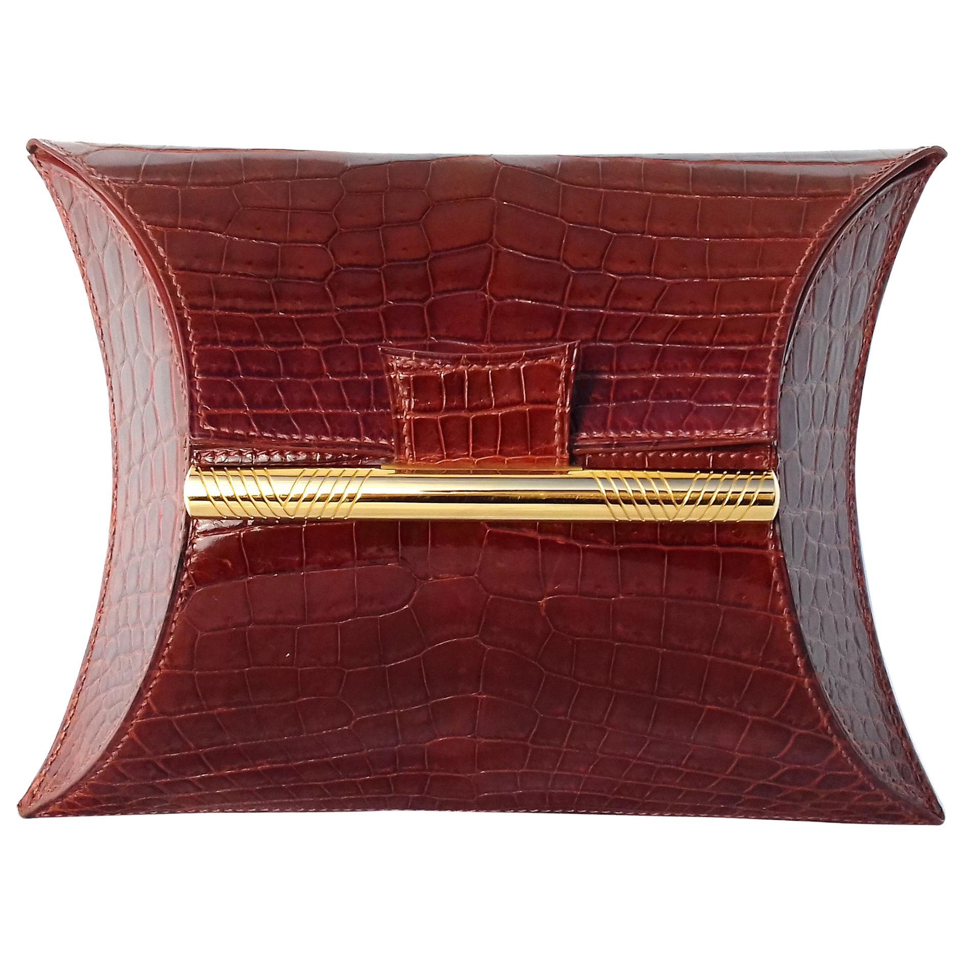 Exceptional Hermès Vintage Clutch Handbag Minaudiere Shiny Crocodile Ghw RARE