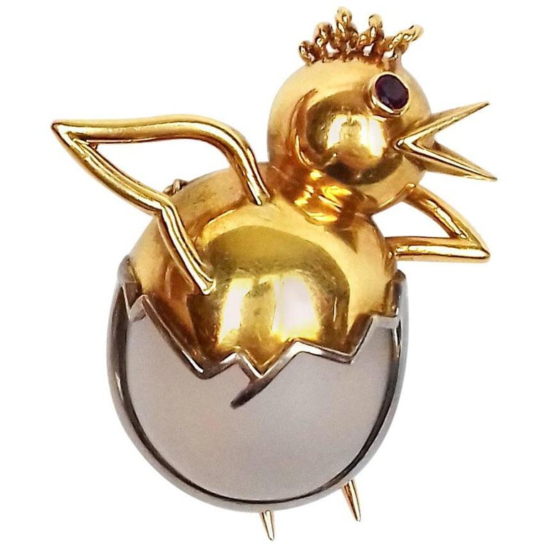 Exceptional Hermès Vintage Eggshell Chick Grey Yellow Gold Brooch Easter RARE For Sale