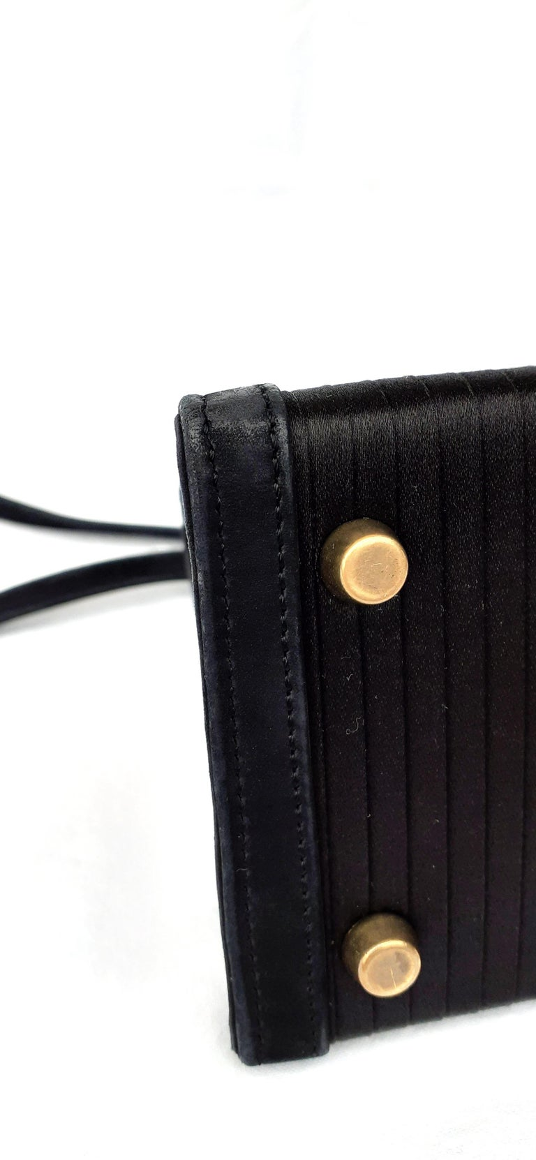 Exceptional Hermès Vintage Mini Kelly Sellier Bag Satin and Doblis Gold Hdw 20cm For Sale 5