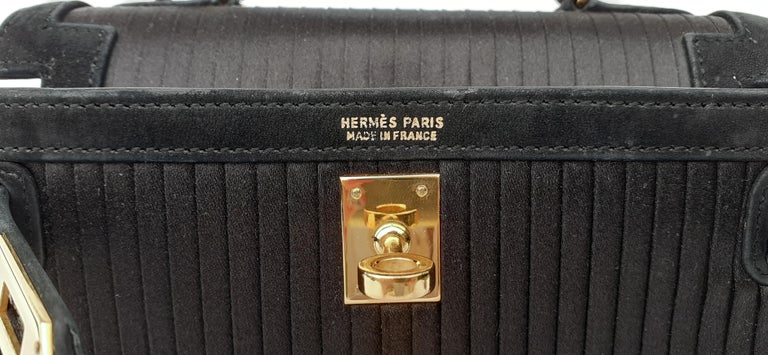 Exceptional Hermès Vintage Mini Kelly Sellier Bag Satin and Doblis Gold Hdw 20cm For Sale 7