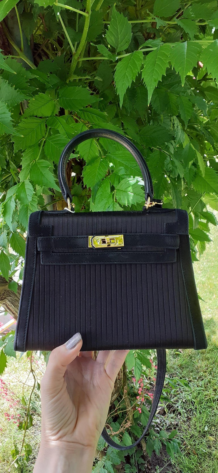 Exceptional Hermès Vintage Mini Kelly Sellier Bag Satin and Doblis Gold Hdw 20cm For Sale 10