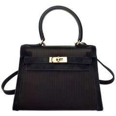 Exceptional Hermès Vintage Mini Kelly Sellier Bag Satin and Doblis Gold Hdw 20cm