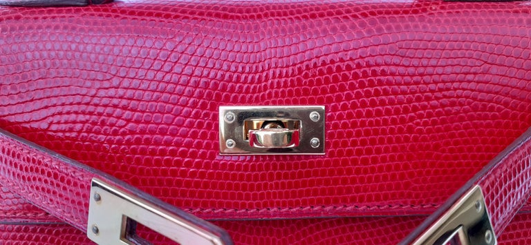 Exceptional Hermès Vintage Mini Kelly Sellier Bag Shiny Red Lizard Gold Hdw 20cm For Sale 6
