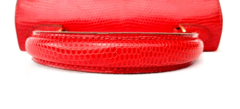 Exceptional Hermès Vintage Mini Kelly Sellier Bag Shiny Red Lizard Gold Hdw 20cm For Sale 2