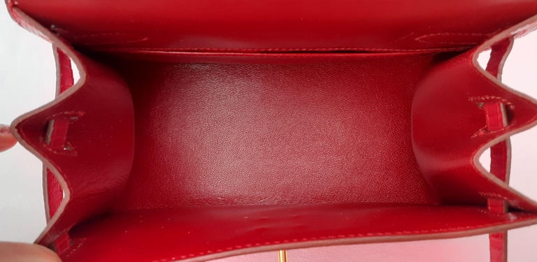 Exceptional Hermès Vintage Mini Kelly Sellier Bag Shiny Red Lizard Gold Hdw 20cm For Sale 5
