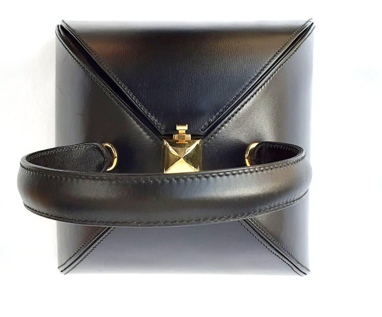 Exceptional Hermès Vintage Tee Time Bag Minaudiere Black Box Leather Ghw RARE For Sale 9