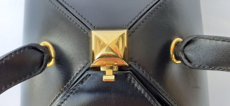 Exceptional Hermès Vintage Tee Time Bag Minaudiere Black Box Leather Ghw RARE For Sale 10