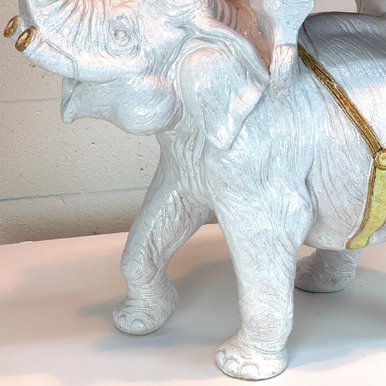 Exceptional Hollywood Regency White Parade Elephant Garden Side Table, Italy In Good Condition For Sale In West Palm Beach, FL