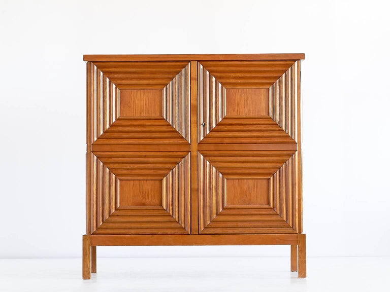 Exceptional Oscar Nilsson Oak Cabinet, Sweden, 1940s For Sale 4