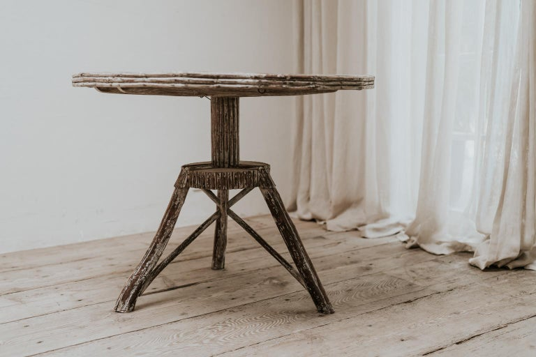 Exceptional Pair of 16-Sided Wooden Tables In Good Condition For Sale In Brecht, BE
