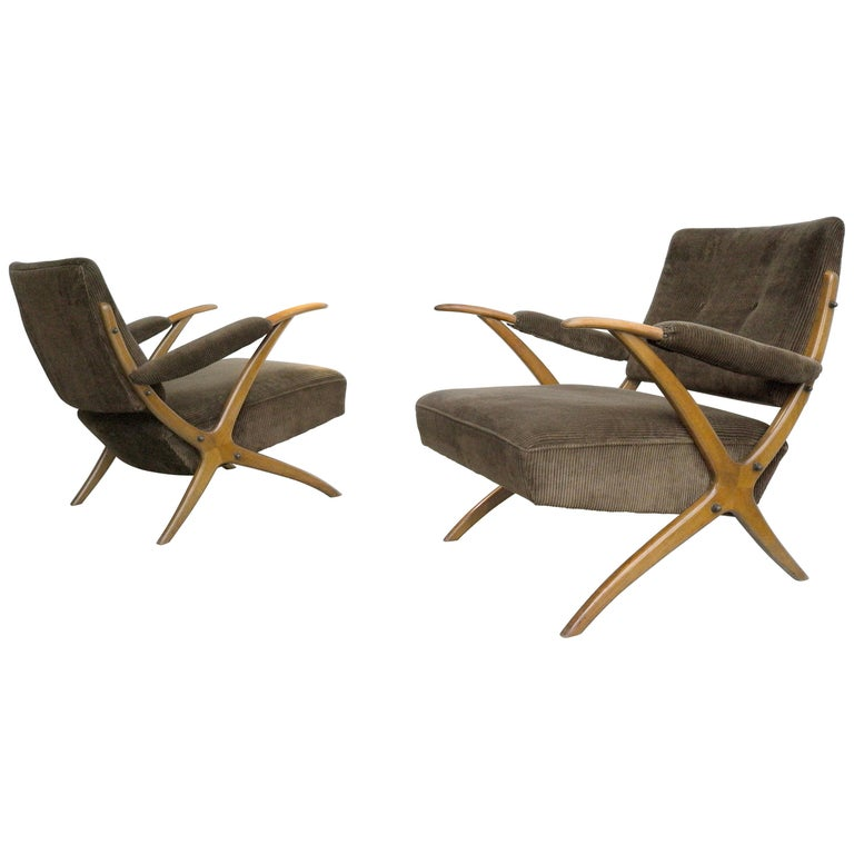 Exceptional Pair of Wooden Curved Cross-Frame Lounge Chairs, Italy, 1950s For Sale