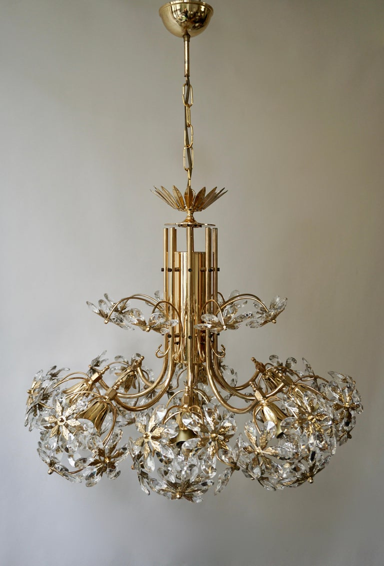 Exceptional Palwa Gilt Brass Crystal Glass Flower Ball Chandelier, circa 1970 For Sale 5
