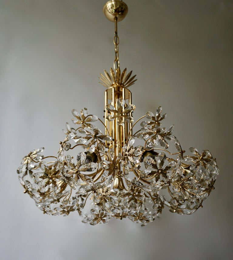 Exceptional Palwa Gilt Brass Crystal Glass Flower Ball Chandelier, circa 1970 For Sale 8