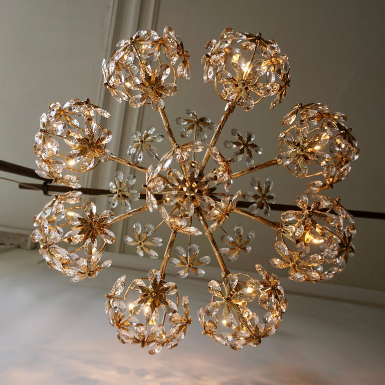 Exceptional Palwa Gilt Brass Crystal Glass Flower Ball Chandelier, circa 1970 For Sale 2