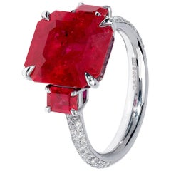Exceptional 7 carat Red Ruby and Diamond Platinum Ring
