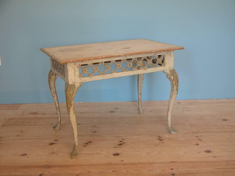 A rare, elegant Norwegian Rococo fretwork tray / centre table, circa 1760, origin: Sweden with original paint