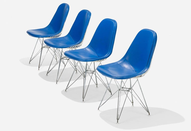 Mid-Century Modern Original Set of 4 Eames DKR-1 Dining Chairs in Blue Vinyl and White Steel, 1951 For Sale