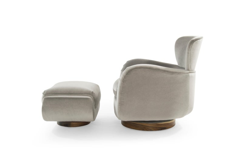 20th Century Exceptional Set of Wingback Swivel Chairs on Rosewood by Vladimir Kagan