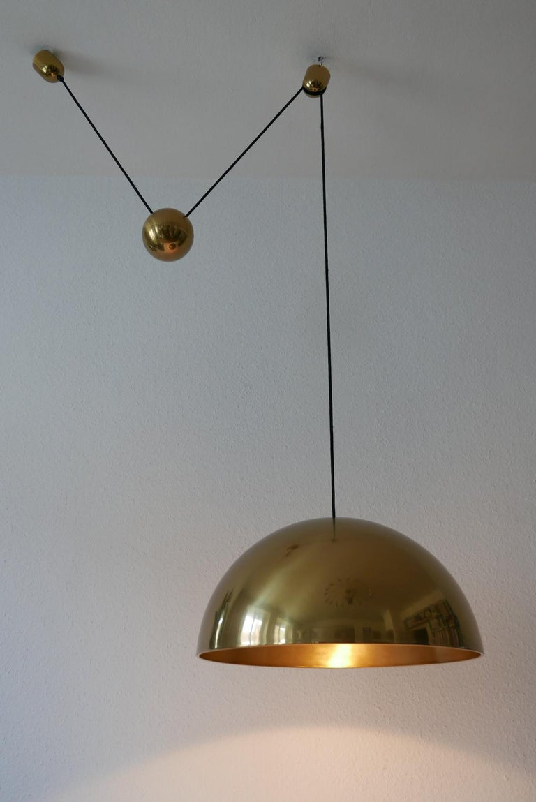Exceptional Solan Counter Balance Pendant Lamp by Florian Schulz, 1980s, Germany For Sale 3