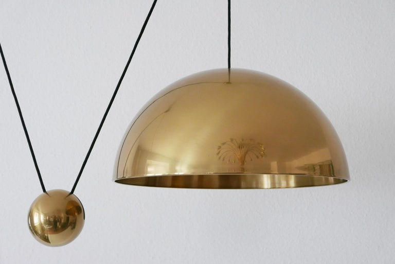Exceptional Solan Counter Balance Pendant Lamp by Florian Schulz, 1980s, Germany For Sale 4