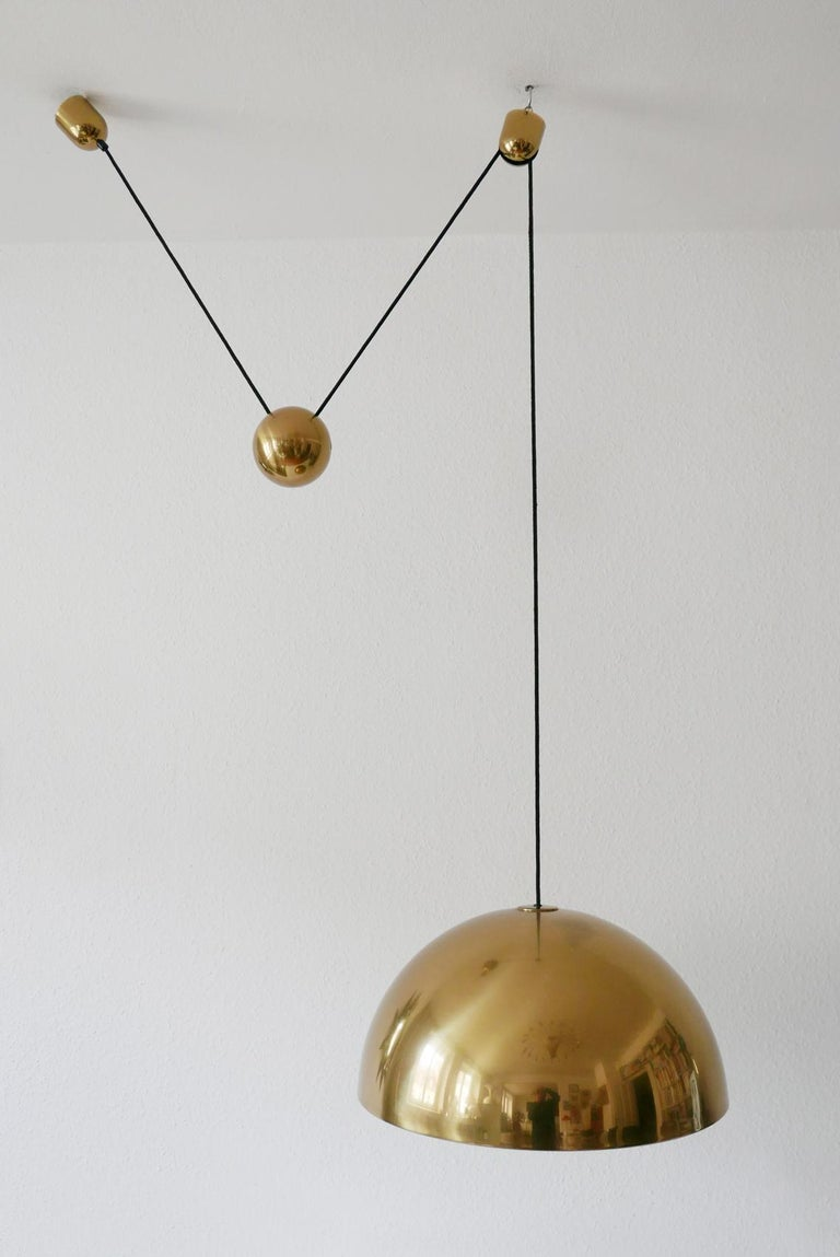 Exceptional Solan Counter Balance Pendant Lamp by Florian Schulz, 1980s, Germany For Sale 6