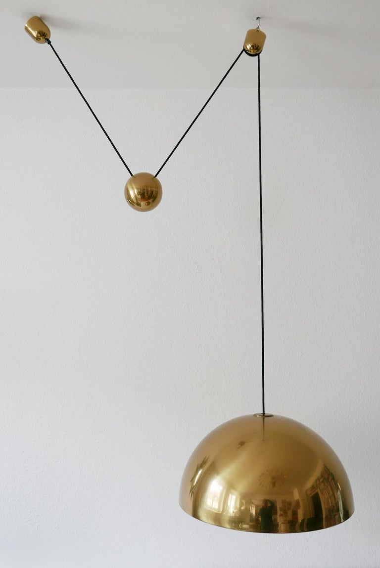 Exceptional Solan Counter Balance Pendant Lamp by Florian Schulz, 1980s, Germany For Sale 7
