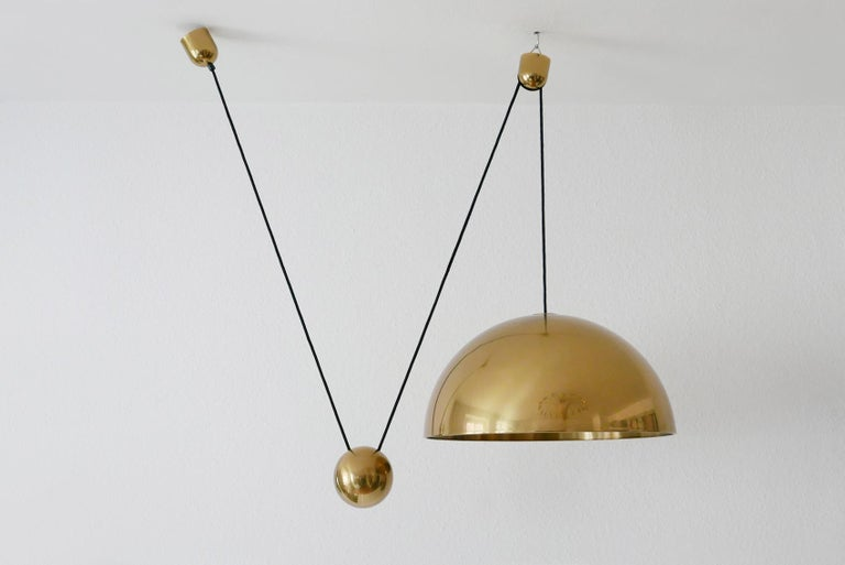 Mid-Century Modern Exceptional Solan Counter Balance Pendant Lamp by Florian Schulz, 1980s, Germany For Sale