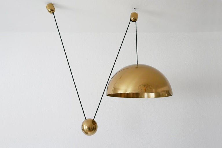 Exceptional Solan Counter Balance Pendant Lamp by Florian Schulz, 1980s, Germany In Good Condition For Sale In Munich, DE