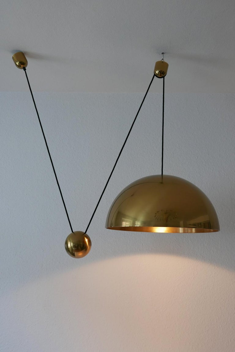 Late 20th Century Exceptional Solan Counter Balance Pendant Lamp by Florian Schulz, 1980s, Germany For Sale