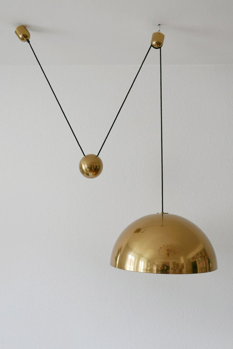 Brass Exceptional Solan Counter Balance Pendant Lamp by Florian Schulz, 1980s, Germany For Sale