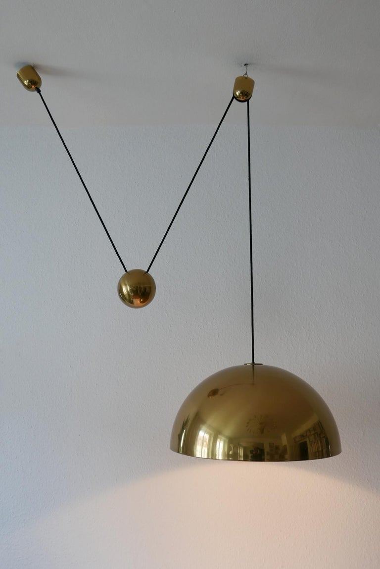 Exceptional Solan Counter Balance Pendant Lamp by Florian Schulz, 1980s, Germany For Sale 1