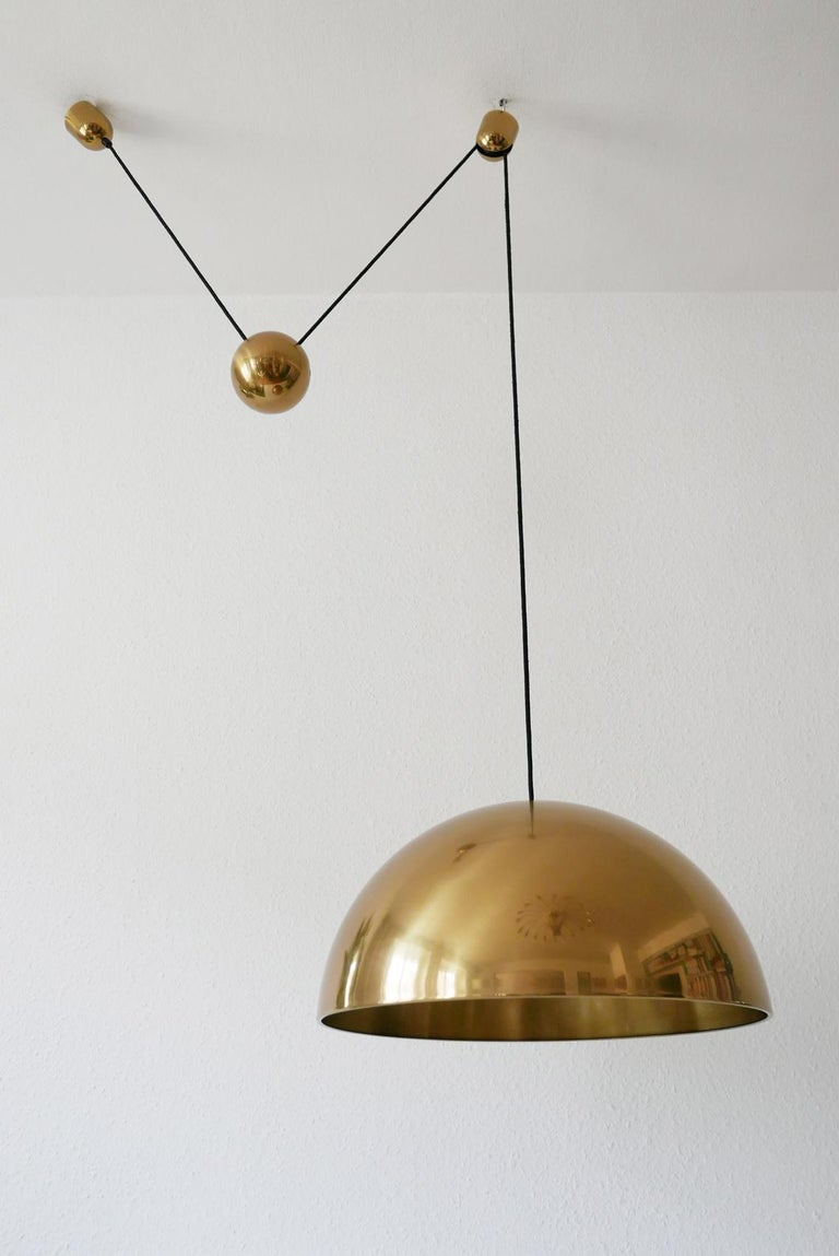 Exceptional Solan Counter Balance Pendant Lamp by Florian Schulz, 1980s, Germany For Sale 2
