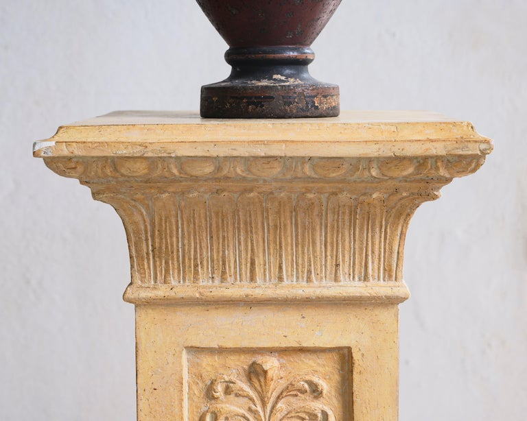 Exceptional Swedish 19th Century Empire Plaster Column In Good Condition For Sale In Helsingborg, SE