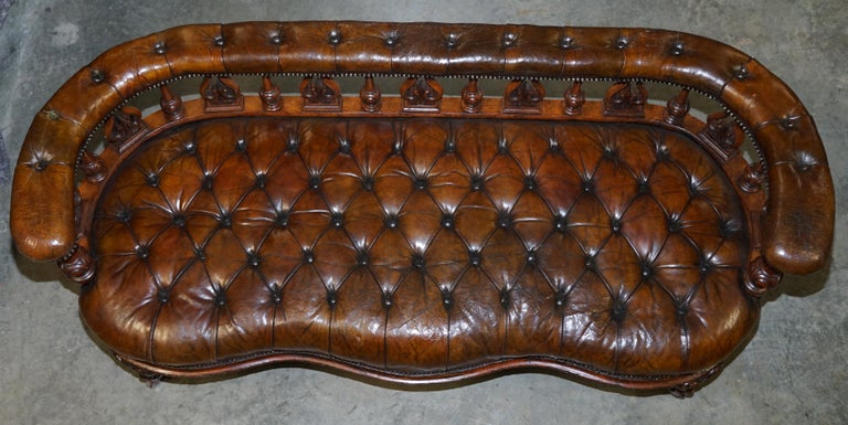 English Exceptionally Rare 1840s Fully Restored Chesterfield Brown Leather Sofa Bench