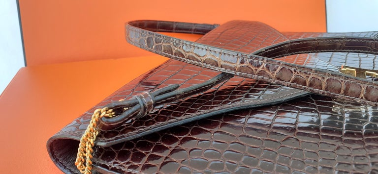 Exceptionnal Hermès Lydie Bag Clutch Brown Crocodile and Matching Card Holder For Sale 10