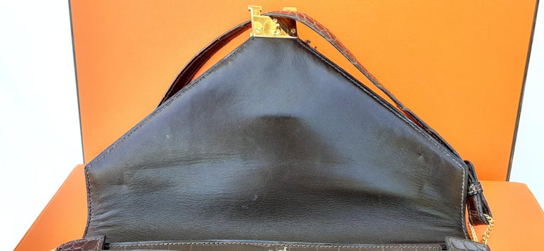 Exceptionnal Hermès Lydie Bag Clutch Brown Crocodile and Matching Card Holder In Good Condition For Sale In ., FR