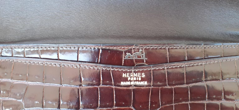 Exceptionnal Hermès Lydie Bag Clutch Brown Crocodile and Matching Card Holder For Sale 1
