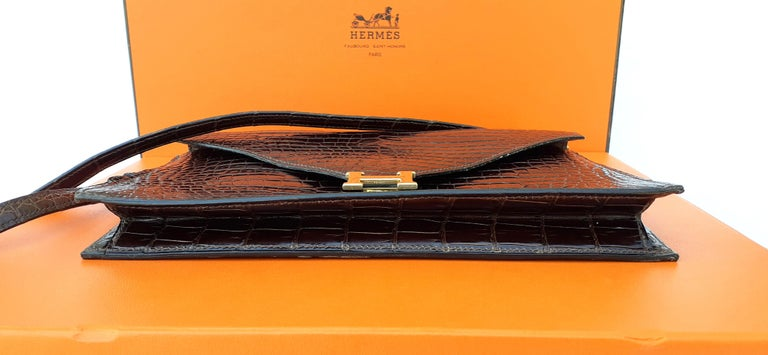 Exceptionnal Hermès Lydie Bag Clutch Brown Crocodile and Matching Card Holder For Sale 4
