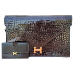 Exceptionnal Hermès Lydie Bag Clutch Brown Crocodile and Matching Card Holder